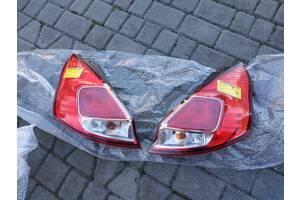 Задние фонари на Ford Fiesta Mk6-MK7