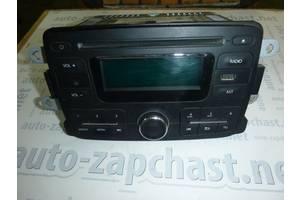 б/у Радио и аудиооборудование/динамики Renault Logan