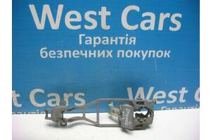 Б/У Кронштейн ручки дверей задньої лівої Cayenne 2002 - 2010 7L0839885B. Вперед за покупками!