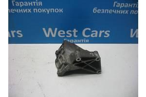 Б/У Кронштейн кріплення гідропідсилювача Fiesta 2002 - 2008 2S6E3K738AB. Вперед за покупками!