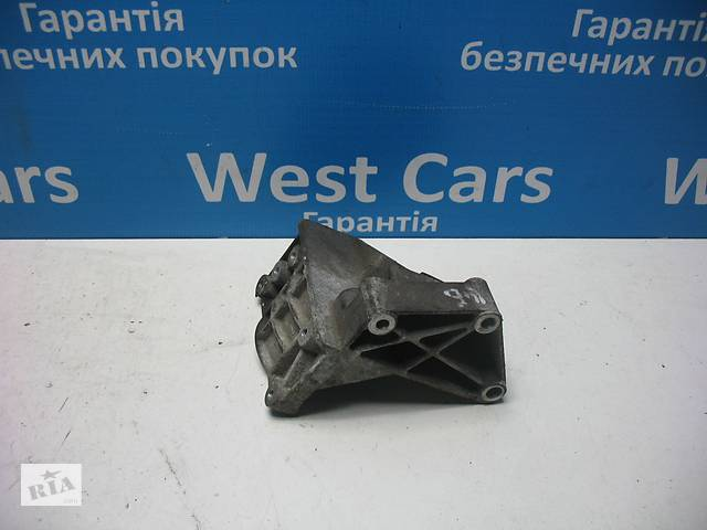 купить бу Б/У 2002 - 2008 Fiesta Кронштейн кріплення гідропідсилювача. Вперед за покупками! в Луцьку