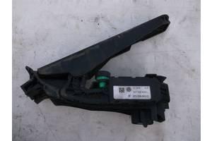 б/у Датчики педали газа Volkswagen Passat B6