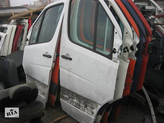 Б/у дверь передняя для Mercedes Sprinter 2006-- объявление о продаже  в Ровно