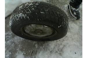 б/у диски с шинами Nissan Prairie