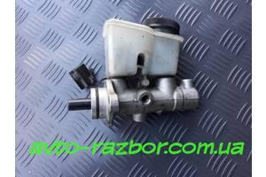 б/у Главные тормозные цилиндры Mazda 323
