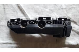 Б/у кронштейн бампера для Toyota Rav 4 2005-2010