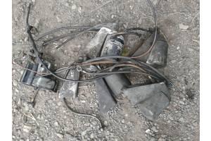 б/в Кронштейни паливних фільтрів Mercedes T1