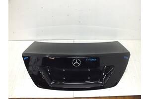 Б/у кришка багажника для Mercedes w204 C-Class 2007-2014