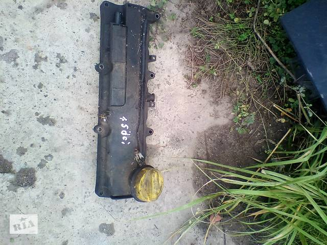 Б/у крышка коромысел кришка клапана  для Renault Kangoo 1.5 dci 2003-2007- объявление о продаже  в Ковеле