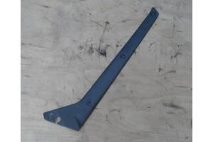 б/у Накладки стойки лобового стекла Iveco 3510