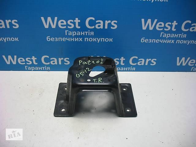 купить бу Б/У 1997 - 2010 Patrol Кронштейн кріплення запасного колеса. Вперед за покупками! в Луцьку