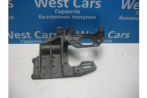Б/У Кронштейн МКПП лівий 2WD (передній привід) Qashqai 2006 - 2013 11254JD000. Вперед за покупками!
