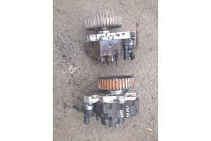 б/у Топливные насосы высокого давления/трубки/шестерни Opel Vivaro груз.