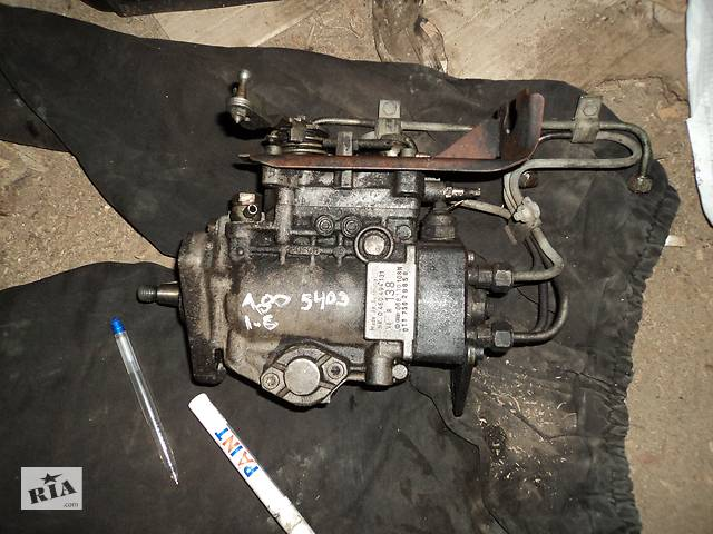 продам Б/у топливний насос високого тиску/трубки/шестерн для Volkswagen Passat B3 бу в Шацке
