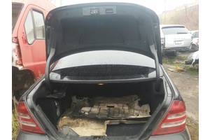 б/у Уплотнители крышки багажника Mercedes C-Class