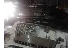 Бампера  передние на запчасти  значок заглушки крепления целая нижняя решетка  для Audi Q5