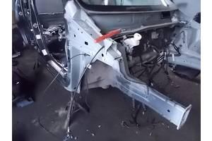б/у Четверти автомобиля Mitsubishi Space Star