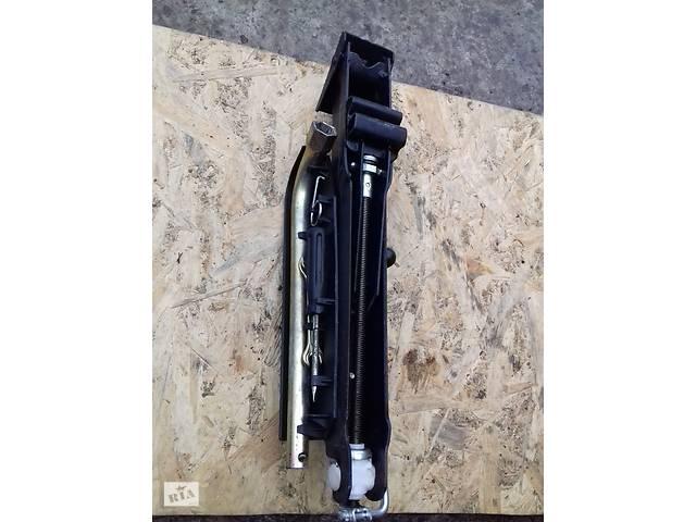 Домкрат для фольксваген т4 ключ отвертка пластик, ОРИГИНАЛ КОМПЛЕКТ- объявление о продаже  в Яворове