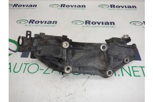 Кронштейн крепления навесного оборудования (2,0 dci 16V) Renault TRAFIC 2007-2014 (Рено Трафик), БУ-178650