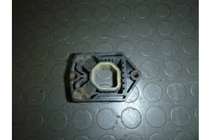б/у Кронштейны крепления радиатора Skoda Octavia A5
