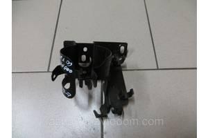 Кронштейны топливных фильтров Renault Kangoo