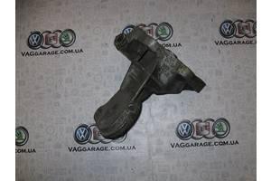 б/у Кронштейны Volkswagen Golf IIІ