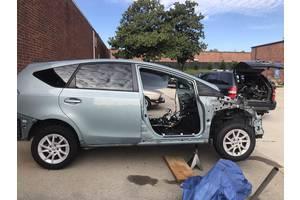 двери1,8 Toyota Prius v (USA)