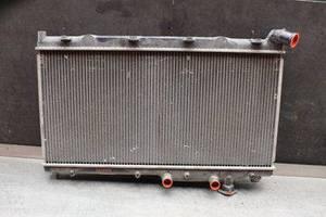 б/в радіатори Subaru Forester