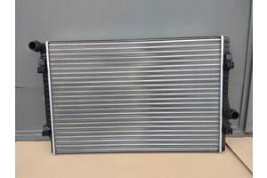 Радиатор воды основной радиатор охлаждения двигателя Seat Leon 2012 - 2017 год 1.8 TSI ** 132 kW под двигатель CJSA **