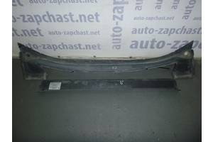 б/у Пластик под лобовое стекло Opel Zafira