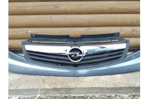 б/в грати радіатора Opel Vivaro