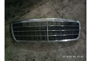 б/у Решётки радиатора Mercedes 210
