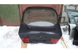 Крышки багажника Mitsubishi Carisma