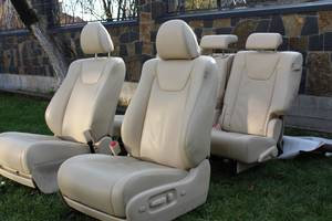 сидіння Toyota Highlander