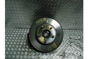 б/у Поворотные кулаки Toyota Auris