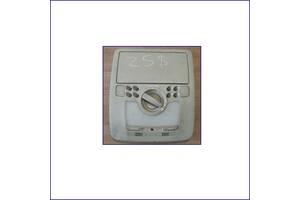 Центральный-плафон-салонного-освещения-Lexus-IS250-1d111-043g-2007-р
