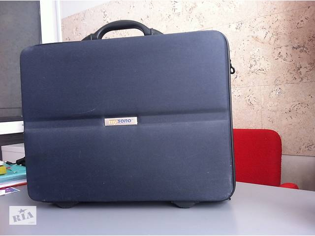 продам Продам профессиональный медицинский чемодан MySono бу
