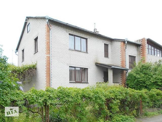 Дом жилой 2000 г.п. г. Брест. Кирпич / аллюминиевый профиль. 3 уровня: цоколь + 2 этажа. r160837- объявление о продаже  в Бресте