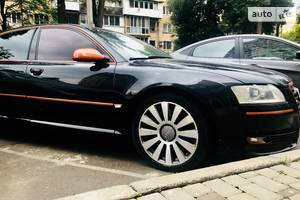 Audi A8 W12 2004