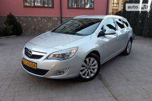Opel Astra J 1.7 81kw COSMO 2011