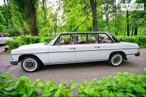 Ретро автомобили Классические mercedes115 Long 1971